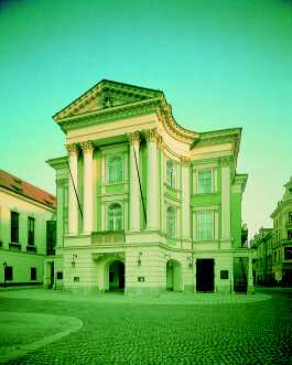 estatestheatreprague1.jpg